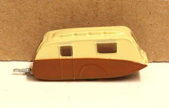 Oxford Diecast NCV003  Caravan Cream and Brown