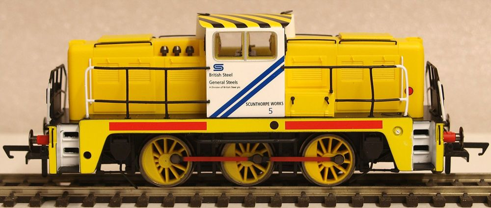 Oxford Rail GV2013  British Steel No5 Janus 0 6 0 Diesel