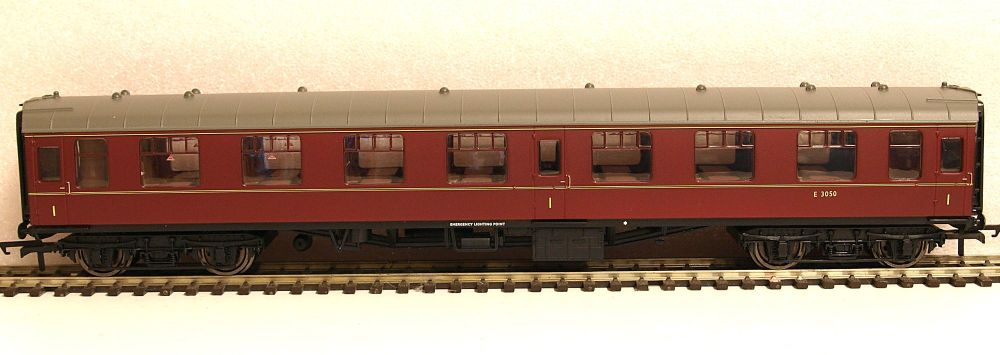 Hornby R4789  BR Mk1 1st Open coach Maroon