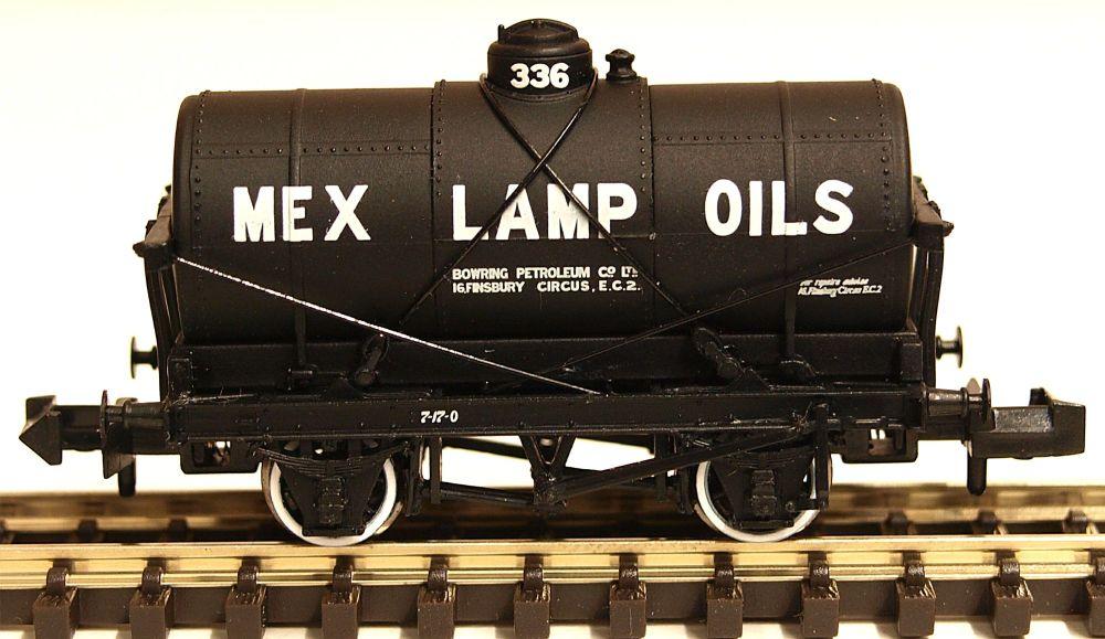 Graham Farish 373-680   14 Ton Tank Wagon with Large Filler 'Mex Lamp Oils'