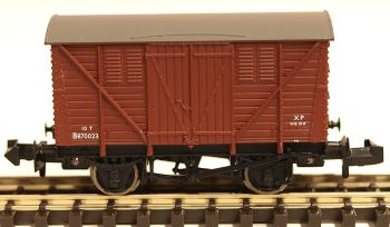 Graham Farish 373-741A   10 Ton BR Meat Van BR Bauxite (Early)