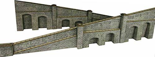 Metcalfe PN149   Stone Tapered Retaining Walls