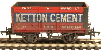 Bachmann 37134A  8 Plank wagon 'Ketton Cement' weathered