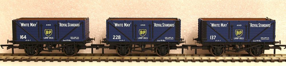 Oxford Rail GV6014  3 pack BP 7 plank open wagon