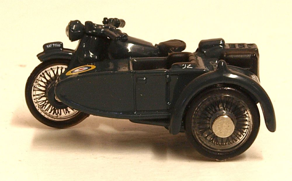 Oxford Diecast 76BSA008  Motorbike and Sidecar RAF Blue