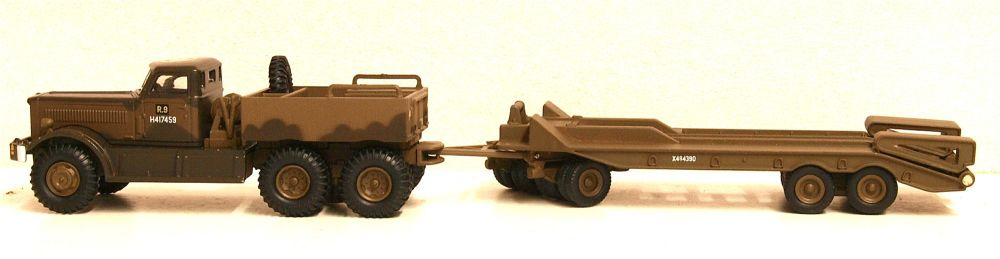 Oxford Diecast 76DT002  Diamond T980 Tank Transporter 1st Canadian Armoured