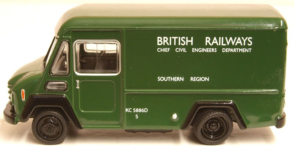 Oxford Diecast 76CWT001  Commer Walk Thru Van British Railways Green