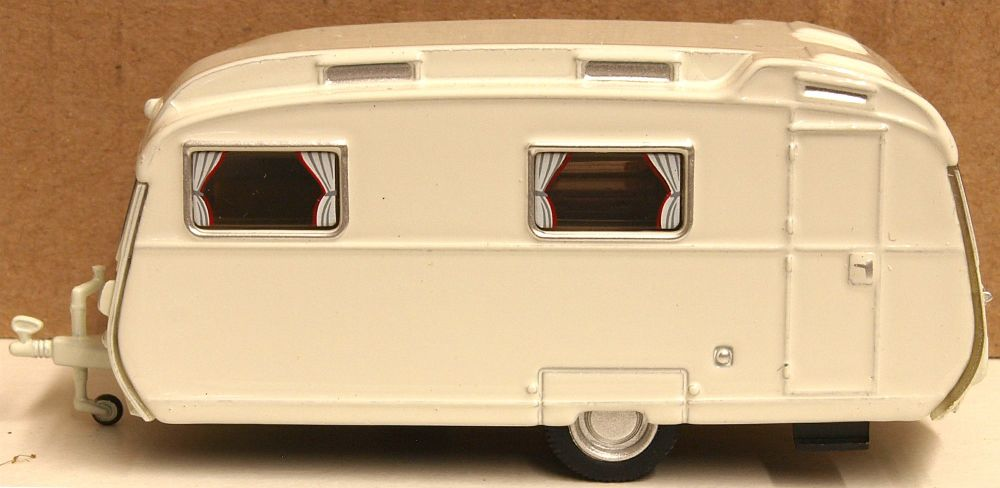 Oxford Diecast 76CC001  Carlight Continental Caravan Light Grey