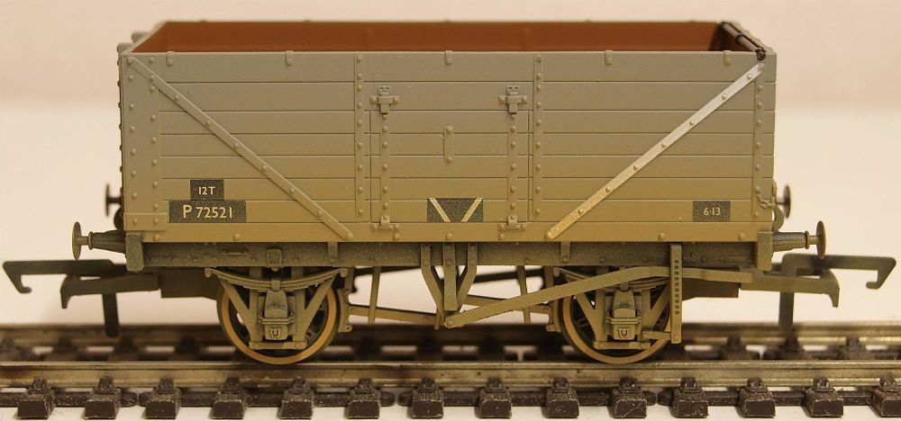 Oxford Rail OR76MW7015B  BR Grey Wagon 7 Plank Wagon Weathered P72521