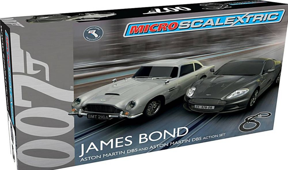 Scalextric G1122    Micro Scalextric James Bond Aston Martin DB5 V Aston Ma
