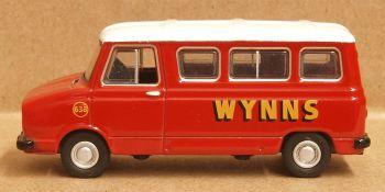 Oxford Diecast 76SHP006  Sherpa Minibus Wynns