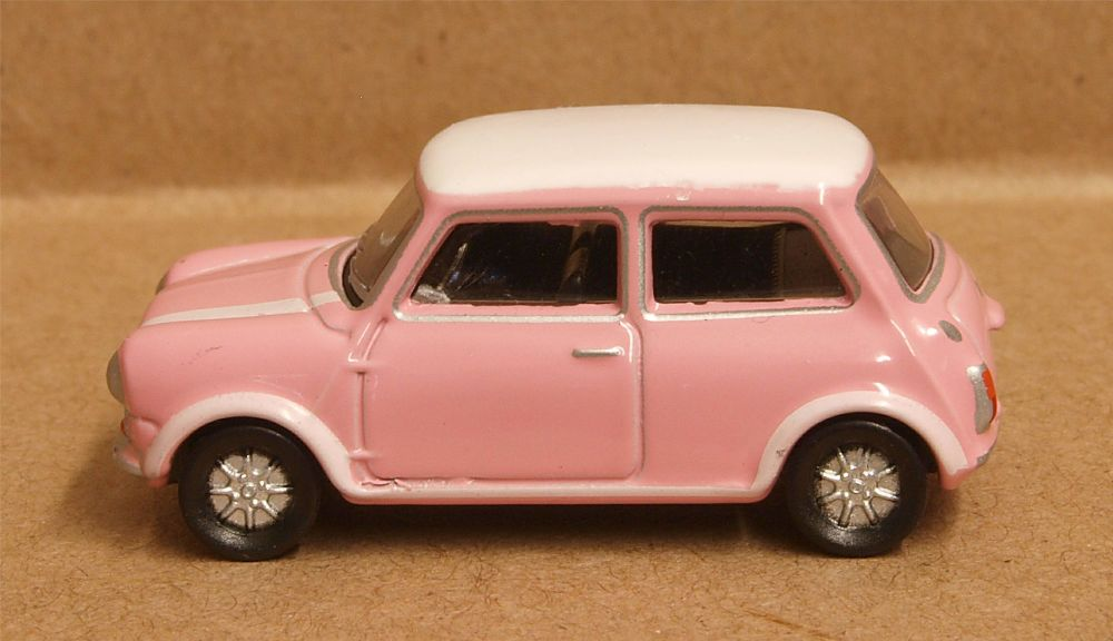 Oxford Diecast 76MCS006  Austin Mini Pink