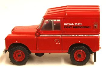 Oxford Diecast 76LR2AS001  Land Rover Series IIA Swb Hard Top Royal Mail PO Recovery