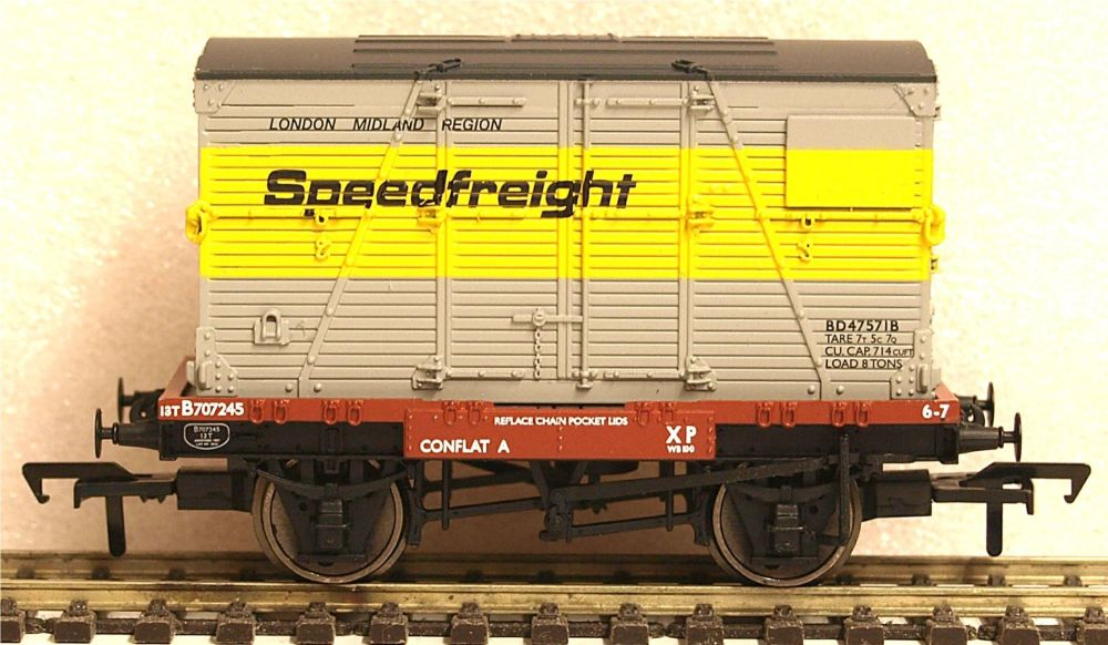 Bachmann 37952  Conflat with BD Container Speedfreight Grey & Yellow