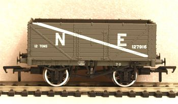 Bachmann 37089  7 Plank End Door Wagon NE grey