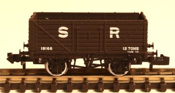 Graham Farish 377089  7 Plank Wagon End Door SR brown