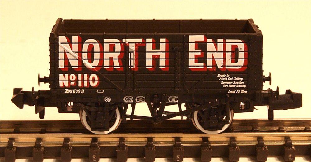 Graham Farish 377091  7 Plank Wagon End Door North End