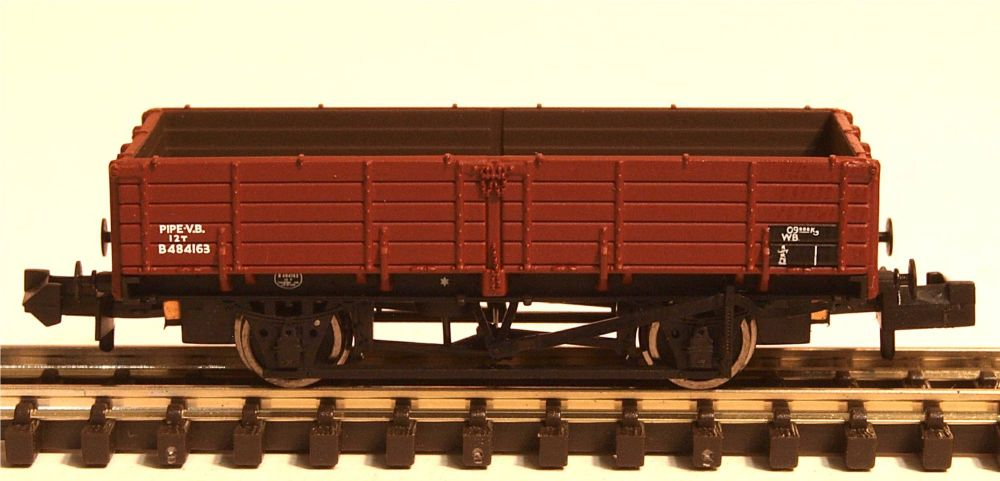 Graham Farish 377777  12 Ton Pipe Wagon BR Bauxite (Late)