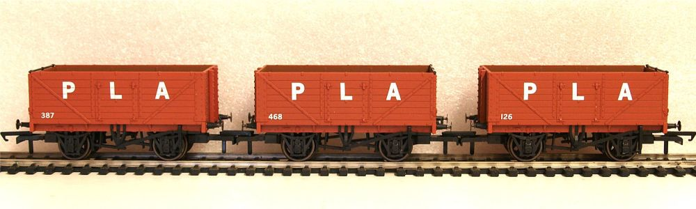 Oxford Rail GV6015  3 pack PLA 7 plank open wagon