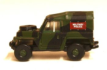 Oxford Diecast NLRL002  Land Rover Lightweight Military Police