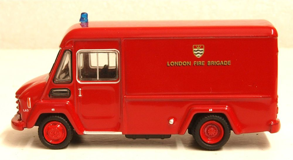 Oxford Diecast 76CWT003  Commer Walk Thru London Fire Brigade