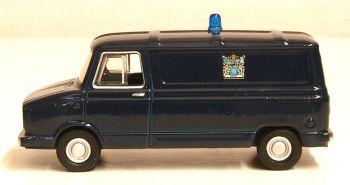 Oxford Diecast 76SHP003  Sherpa Van Metropolitan Police Van