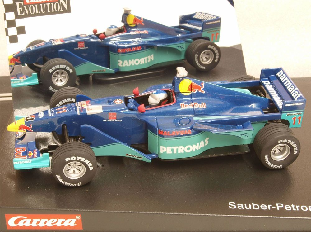 "Carrera 25423  Evolution Sauber-Petronas C18 No11 ""Jean Alesi"" 1:32"