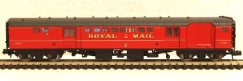 Graham Farish 374901B   Mk1 TPO sorting van Royal Mail red