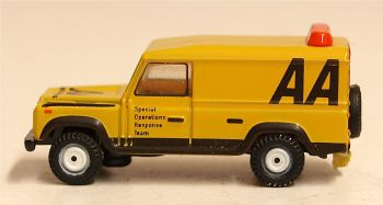 Oxford Diecast NDEF009  Land Rover Defender LWB Hard Top AA