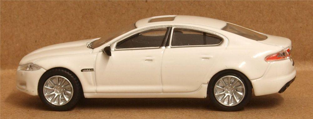 Oxford Diecast 76XF005  Jaguar XF Saloon Polaris White
