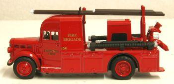 Oxford Diecast 76BHF004  Bertram Mills Bedford WLG Heavy Unit