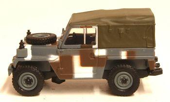 Oxford Diecast 76LRL004  Land Rover Lightweight Berlin Scheme
