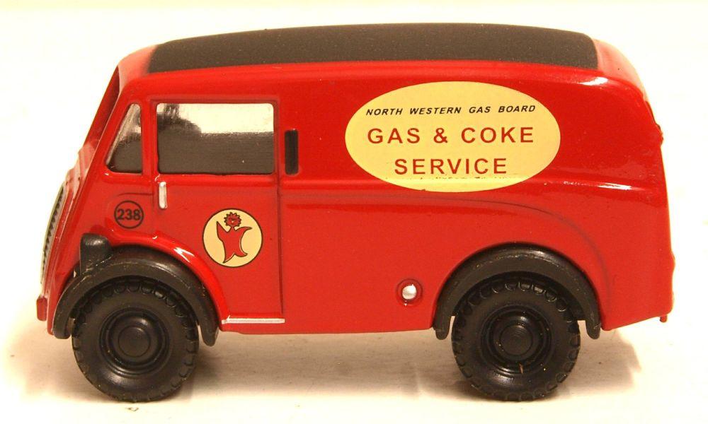 "Classix EM76646  Morris J van ""North Western Gas board"""