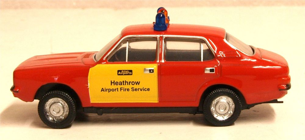 Oxford Diecast 76MAR005  Morris Marina Heathrow Fire Service