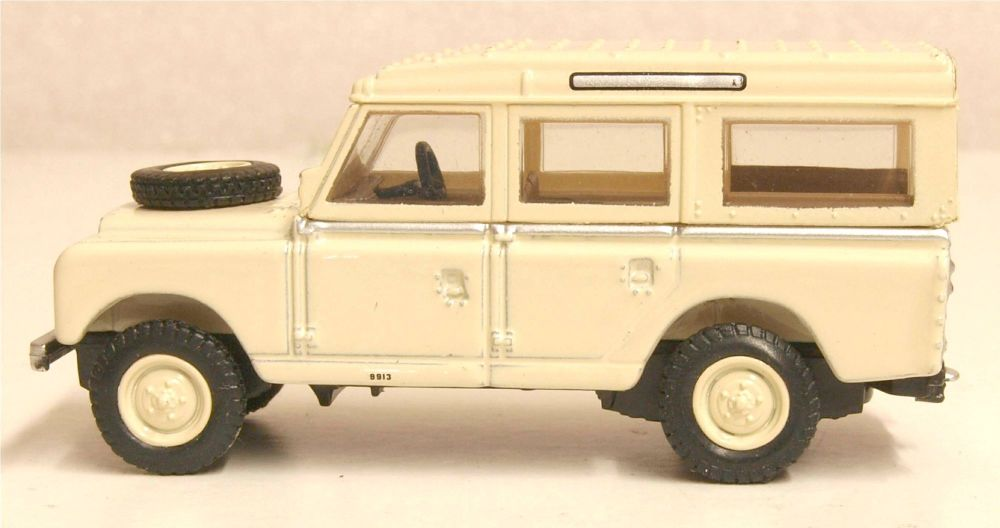 Oxford Diecast 76LAN2019  Land Rover Series II LWB Station Wagon Limestone