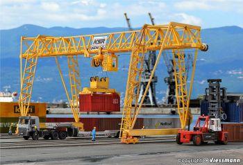 Kibri 38530  DEMAG Container Crane Kit 'HO'