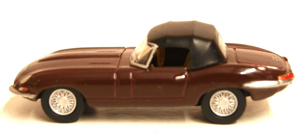 Oxford Diecast 76ETYP012  Jaguar E Type Soft Top Imperial Maroon