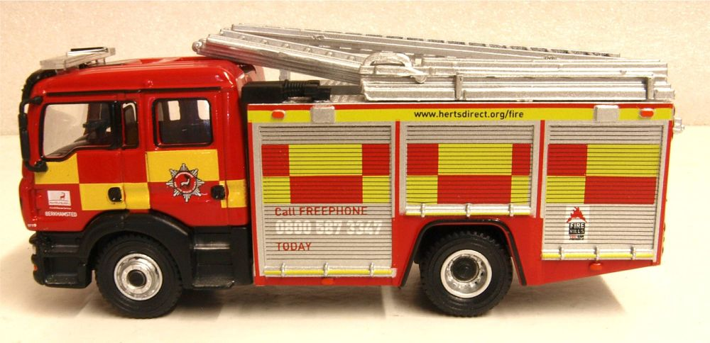 Oxford Diecast 76MFE005  MAN Pump Ladder Hertfordshire Fire & Rescue