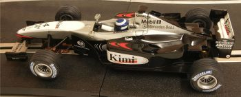"Scalextric 6102  McLaren Mercedes MP4-17 F1 ""Kimi Räikkönen"" 1:32"
