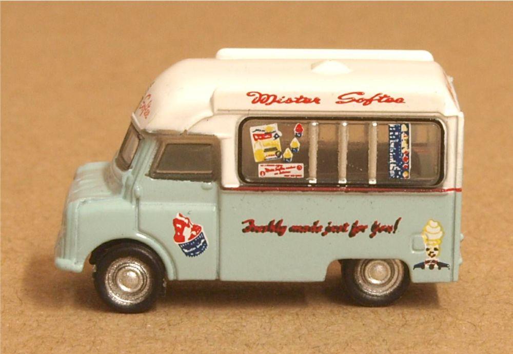 Oxford Diecast NCA021  Bedford CA Ice Cream Van Mr Softee
