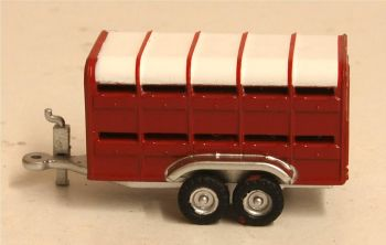 Oxford Diecast NFARM004  Livestock Trailer Red