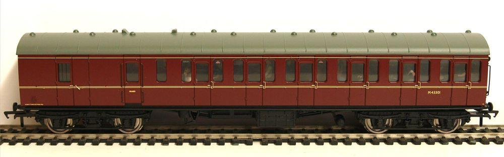 Bachmann 34630B   BR Mk1 Suburban 2nd brake (Populated) M43301