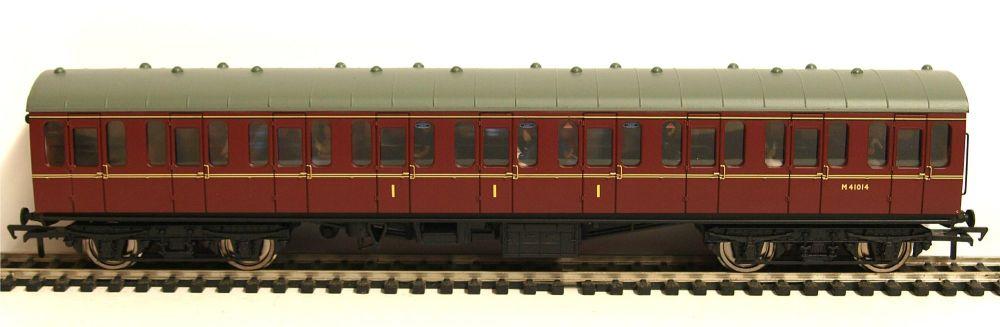 Bachmann 34700C   BR Mk1 Suburban Composite coach (Populated) M41014