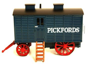 Oxford Diecast 76LW002  Living Wagon 'Pickfords'