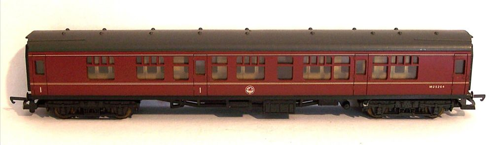 Lima L305312-AT  BR Mk1 Corridor Composite Coach (1:76)
