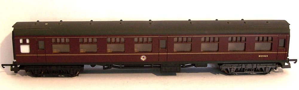 Lima L305364-AT  BR Mk1 Corridor 2nd Coach (1:76)