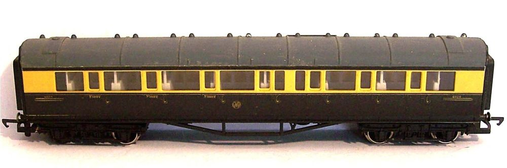 Hornby R429-AT  GWR Collett Composite coach (1:76)