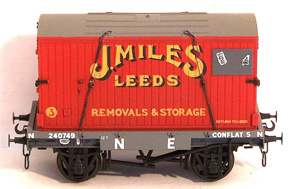 GMR (Airfix) 54337-AT  NE Conflat + J Miles Container (1:76)