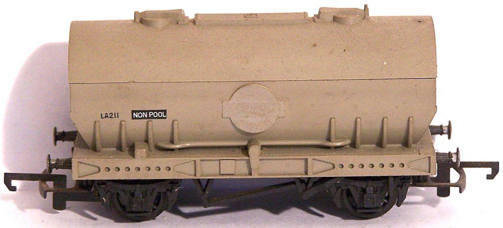 Tri-ang R564-SU  PCV 'Cemflo' Cement Wagon (1:76)