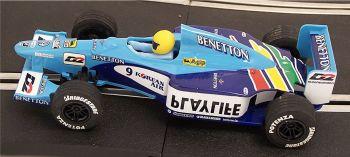 "Scalextric C2277  Benetton Renault B199 ""Giancarlo Fisichella"" 1:32"